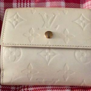 Small cream wallet